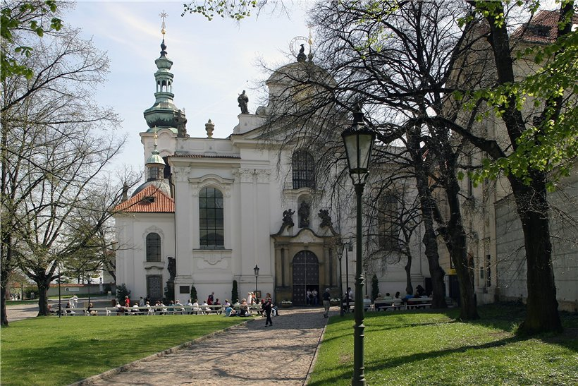 Страговский монастырь — панорама на Прагу плюс пиво!