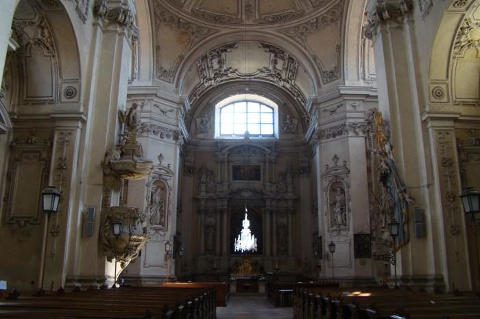Интерьер костела Успения Девы Марии в Валтице